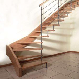 Какие лестницы на больцах мы делаем