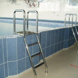 Какие лестницы для бассейна мы делаем
