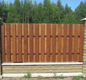 Какие деревянные заборы мы делаем